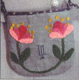 Flower Pouch - Needle Punch Pattern from La-D-Da