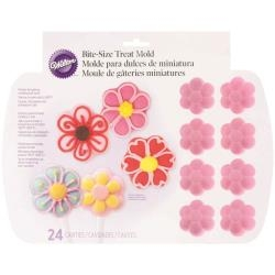 WILTON - Silicone Baking Mold: Flowers